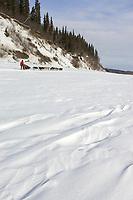 Vern Halter on Yukon River Leaving Anvik Chkpt 2005 Iditarod