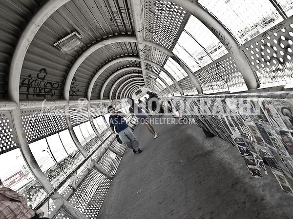 Crossing bridge
