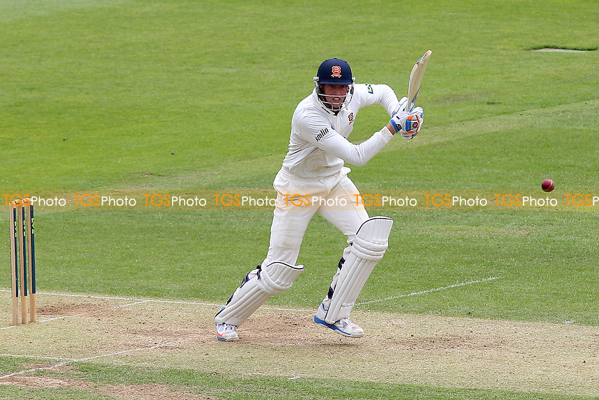Reece Topley of Essex in batting action - Hampshire CCC vs Essex CCC - LV County Championship Division Two Cricket at the Ageas Bowl, West End, Southampton - 16/06/14 - MANDATORY CREDIT: Gavin Ellis/TGSPHOTO - Self billing applies where appropriate - 0845 094 6026 - contact@tgsphoto.co.uk - NO UNPAID USE