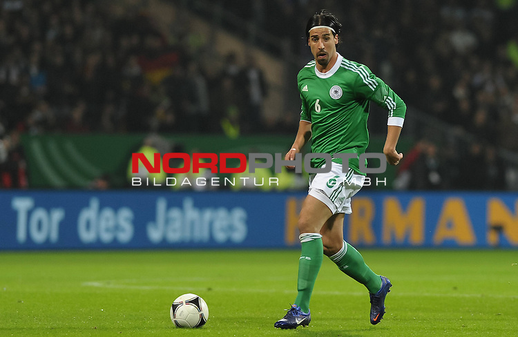 29.02.2012, Weserstadion, Bremen, GER, FSP, Deutschland (GER) vs Frankreich (FRA), im Bild Sami Khedira (GER #6 Madrid)<br /> <br /> // during the friendly match Germany vs France on 2012/02/29, Weserstadion, Bremen, Germany.<br /> Foto &copy; nph / Frisch *** Local Caption ***