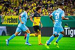 09.08.2019, Merkur Spiel-Arena, Düsseldorf, GER, DFB Pokal, 1. Hauptrunde, KFC Uerdingen vs Borussia Dortmund , DFB REGULATIONS PROHIBIT ANY USE OF PHOTOGRAPHS AS IMAGE SEQUENCES AND/OR QUASI-VIDEO<br /> <br /> im Bild | picture shows:<br /> Axel Witsel (Borussia Dortmund #28) auf dem Weg zum Tor, <br /> <br /> Foto © nordphoto / Rauch