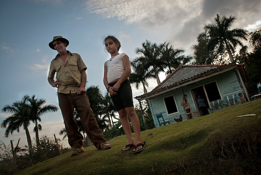 "A family from the ""Acuaticos"" community near Viñales."