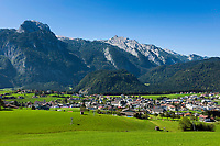 Oesterreich, Salzburger Land, Tennengau, Abtenau: Ferienort vorm Tennengebirge | Austria, Salzburger Land, Tennengau region, Abtenau: resort with Tennen Mountains