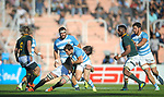 06/09/2018. Malvinas Argentinas Stadium, Mendoza, Argentina. The Rugby Championship 2018, Round 2, Los Pumas beat the Spingboks at home 32 to 19. Nicolas Sanchez looking for space to penetrate Springboks defensive line. /Maximiliano Aceiton/Trysportimages