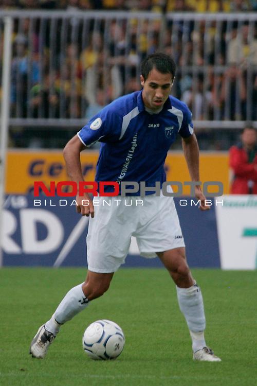 RLN 2007/2008 1. Spieltag Hinrunde<br /> Eintracht Brauschweig - Kickers Emden <br /> <br /> Andy Naegelein #22 von Kickers Emden<br /> <br /> Foto: &copy; nph ( nordphoto )<br /> <br />  *** Local Caption ***