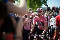 'maglia rosa' in his home country Tom Dumoulin (NLD/Giant-Alpecin) is getting a warm welcome by the dutch race fans on his way to sign-in<br /> <br /> stage 2: Arnhem-Nijmegen (NLD) 190km<br /> 99th Giro d'Italia 2016