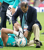 04.10.2015. Wembley Stadium, London, England. NFL International Series. Miami Dolphins versus New York Jets. Miami Dolphins Left Offensive Tackle Jason Fox received medical attention  on the pitch after getting dirt in his eyes.