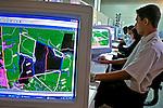 Monitoramento de queimadas por satélite, Cuiabá, Mato Grosso. 2000. Foto de Ricardo Azoury.