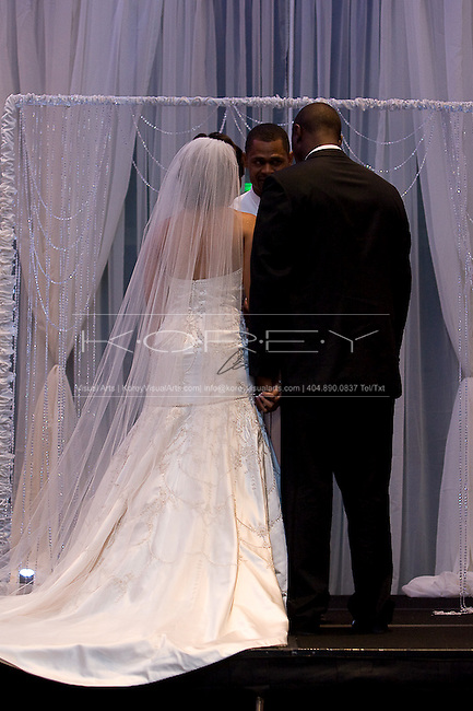 Georgia Aquarium wedding photographs of Dj Shockley and Portia Phillips in Atlanta, GA