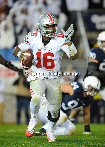 22 October 2016:  Ohio State QB J.T. Barrett (16) rolls out to pass. The Penn State Nittany Lions upset the #2 ranked Ohio State Buckeyes 24-21 at Beaver Stadium in State College, PA. (Photo by Randy Litzinger/Icon Sportswire)