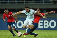 PEREIRA - COLOMBIA, 24-01-2020: Nicolas Ramirez de Chile disputa el balón con Adolfo Gaich de Argentina durante partido entre Chile y Argentina por la fecha 3, grupo A, del CONMEBOL Preolímpico Colombia 2020 jugado en el estadio Hernán Ramírez Villegas de Pereira, Colombia. / Nicolas Ramirez of Chile fights the ball with Adolfo Gaich of Argentina during the match between Chile and Argentina for the date 3, group A, for the CONMEBOL Pre-Olympic Tournament Colombia 2020 played at Hernan Ramirez Villegas stadium in Pereira, Colombia, Colombia. Photos: VizzorImage / Julian Medina / Cont