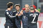 19.02.2011, Bruchwegstadion, Mainz, GER, 1. FBL, Mainz 05 vs FC Bayern Muenchen, im Bild vl.  Mario Gomez (Bayern #33), Thomas Mueller (Bayern #25), Arjen Robben (Bayern #10), Franck Ribery (Bayern #7), Foto © nph / Roth
