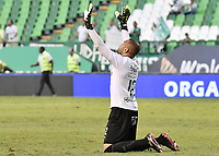 PALMIRA - COLOMBIA, 01-09-2019: Pablo Mina arquero del Cali celebra después del partido entre Deportivo Cali y Deportivo Pasto por la fecha 9 de la Liga Águila II 2019 jugado en el estadio Deportivo Cali de la ciudad de Palmira. / Pablo Mina goalkeeper of Cali celebrates after match for the date 9 between Deportivo Cali and Deportivo Pasto of the Aguila League II 2019 played at Deportivo Cali stadium in Palmira city. Photo: VizzorImage / Gabriel Aponte / Staff