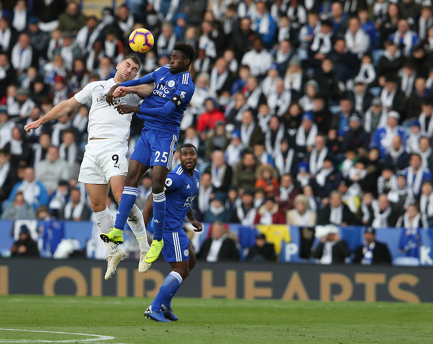 Burnley's Sam Vokes and Leicester City's Wilfred Ndidi<br /> <br /> Photographer Stephen White/CameraSport<br /> <br /> The Premier League - Saturday 10th November 2018 - Leicester City v Burnley - King Power Stadium - Leicester<br /> <br /> World Copyright © 2018 CameraSport. All rights reserved. 43 Linden Ave. Countesthorpe. Leicester. England. LE8 5PG - Tel: +44 (0) 116 277 4147 - admin@camerasport.com - www.camerasport.com