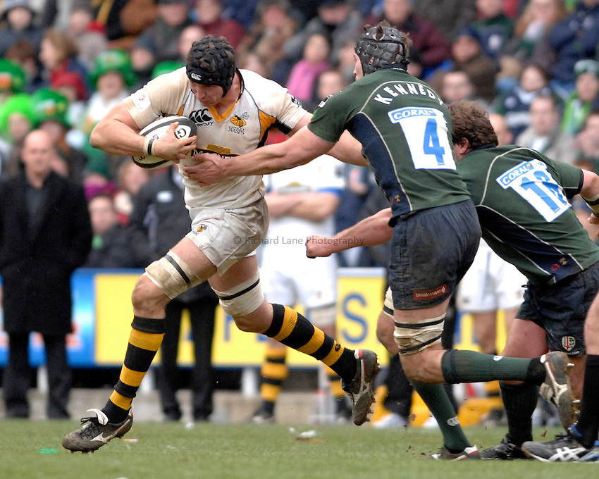 Photo: Richard Lane..London Irish v London Wasps. Guinness Premiership. 18/03/2007..Wasps' George Skivington attacks.