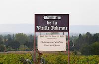 Sign Domaine de la Vieille Julienne, Daumen, Chateauneuf du Pape Cotes du Rhone.  Chateauneuf-du-Pape Châteauneuf, Vaucluse, Provence, France, Europe