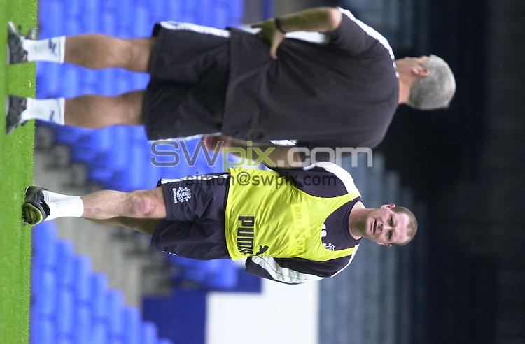 Pix: Simon Wilkinson/SWPIX. Walter Smith and Paul Gascoigne. 11/08/2000..COPYWRIGHT PICTURE>>SIMON WILKINSON>> 01943 436649>>..Master & Pupil.....Paul Gascoigne and Walter Smith at a Godison training seesion ths week.