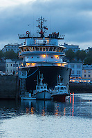 France, Bretagne, (29), Finistère, Brest:  Le port de Brest - L'Abeille Bourbon est un remorqueur d'intervention, d'assistance et de sauvetage //  France, Brittany, Finistere, Brest: Brest harbour, The Abeille Bourbon is a high seas emergency tow vessel (salvage tug)