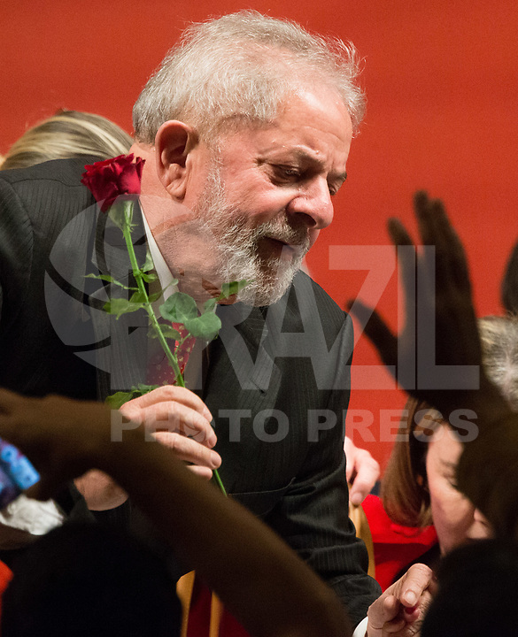 BRASÍLIA, DF, 05.07.2017 - PT - DIRETORIO -     O ex-presidente Lula, durante a posse do Diretório Nacional do PT, no Centro de Convenções Brasil 21, em Brasília, nesta quarta, 05. (Foto: Ed Ferreira/Brazil Photo Press).