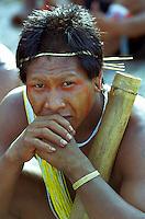 Brasil - Amazônia - Pará 18/09/2002.Indio guerreiro da tribo Xikrin nos v jogas indigenas realizado na praia de marapanim.foto:Paulo Amorim