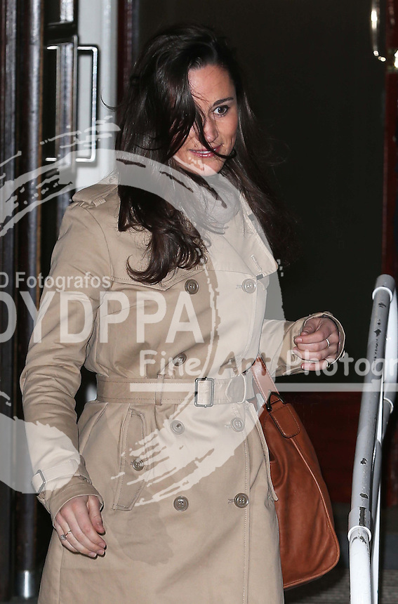 Pippa Middleton  arriving at  the King Edward VII hospital in London to visit her sister the  Duchess of Cambridge who spent her third day in hospital, Wednesday, 5th December 2012  Photo by:  Stephen Lock / i-Images / DyD Fotografos