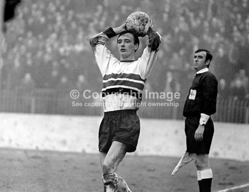 Billy McKeag, footballer, Glentoran FC, Belfast, N Ireland, throw-in, February, 1970, 197002000080<br /> <br /> Copyright Image from<br /> Victor Patterson<br /> 54 Dorchester Park<br /> Belfast, N Ireland, UK, <br /> BT9 6RJ<br /> <br /> t1: +44 28 90661296<br /> t2: +44 28 90022446<br /> m: +44 7802 353836<br /> e1: victorpatterson@me.com<br /> e2: victorpatterson@gmail.com<br /> <br /> www.victorpatterson.com
