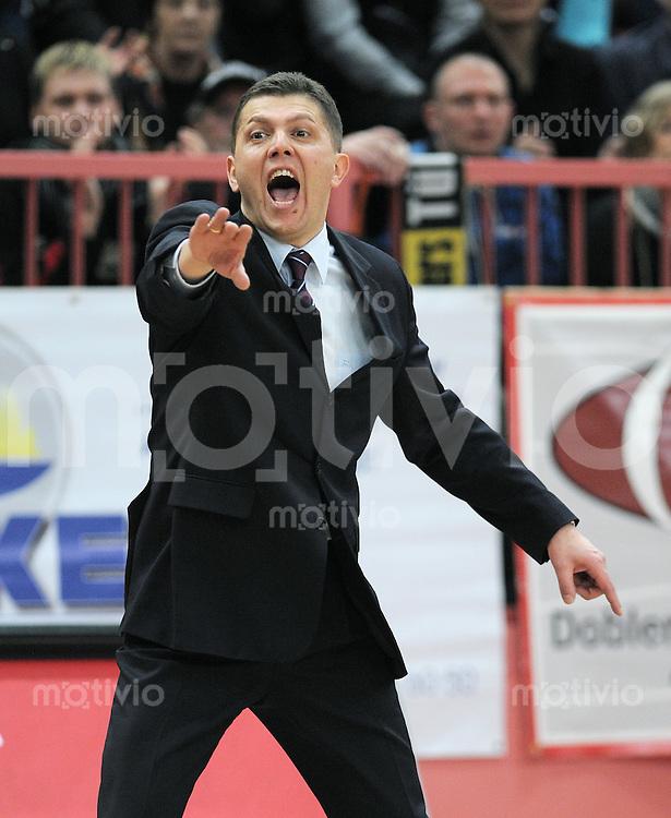 Basketball   1. Bundesliga 2010/2011  19.02.2011 Walter Tigers Tuebingen - EWE Baskets Oldenburg Oldenburg-Trainer Predrag Krunic