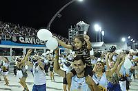 SÃO PAULO, SP, 05 DE FEVEREIRO DE 2012 - ENSAIO GAVIÕES DA FIEL - Ensaio técnico da Escola de Samba Gaviões da Fiel na preparação para o Carnaval 2012. O ensaio foi realizado na noite deste domingo (05) no Sambódromo do Anhembi, zona norte da cidade. FOTO: LEVI BIANCO - NEWS FREE
