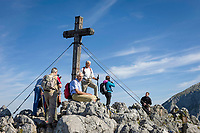 Deutschland, Bayern, Oberbayern, Berchtesgadener Land, Schoenau am Koenigssee: Jenner-Gipfelkreuz (1.874 m) | Germany, Bavaria, Upper Bavaria, Berchtesgadener Land, Schoenau am Koenigssee: Jenner summit with cross (1.874 m)