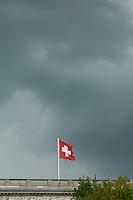 2014/04/23 Berlin | Dunkle Wolken über Schweizer Botschaft