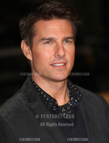 Tom Cruise arriving at the World Premiere of Jack Reacher, at Odeon Leicester Square, London. 10/12/2012 Picture by: Alexandra Glen / Featureflash