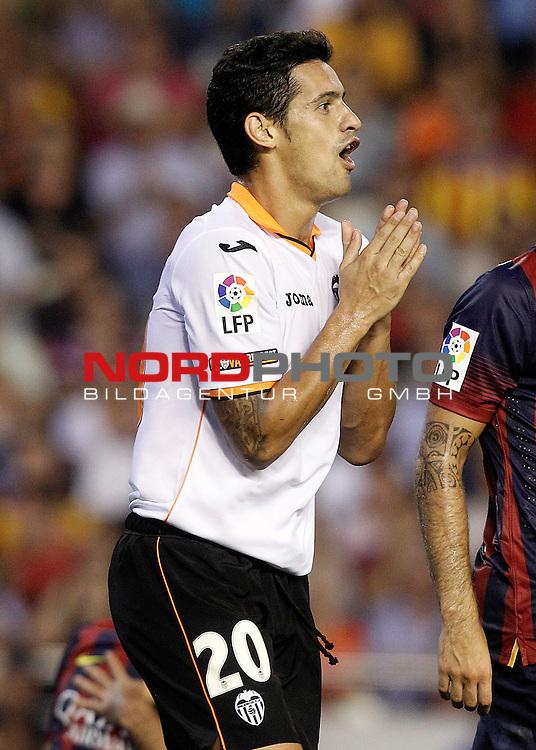 Valencia's Ricardo Costa during La Liga match.September 1,2013. Foto © nph / Acero)