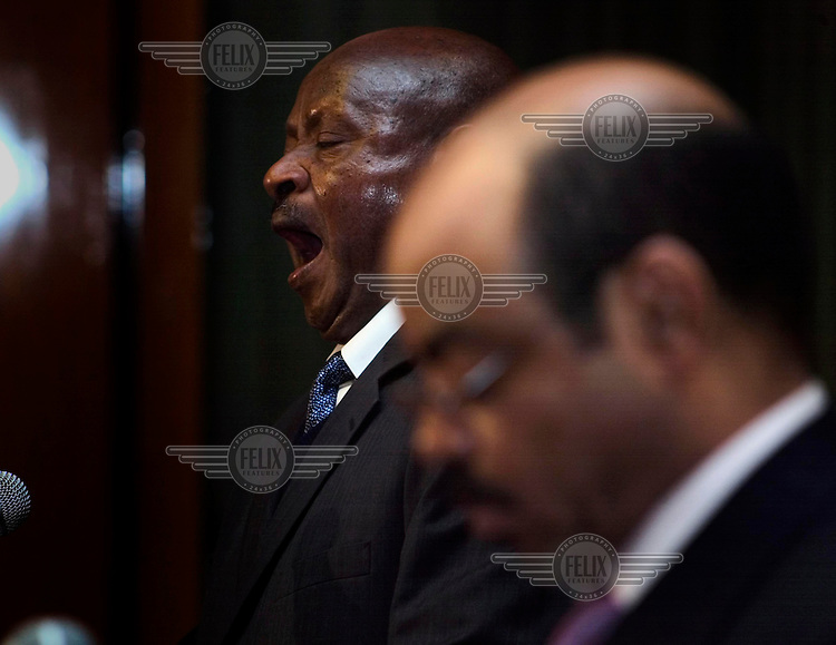 Prime Minister Meles Zenawi (foreground) and Ugandan President Yoweri Museveni at a joint press conference.