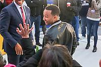 NEW YORK, NY, 02.12.2016 - JOHN-LEGEND - John Legend cantor e compositor norte-americano, vencedor do Oscar de Melhor Canção Original pela canção Glory é visto em programa de televisão na região da Times Square em New York nesta sexta-feira, 02. (Foto: William Volcov/Brazil Photo Press)