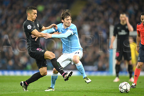 12.04.2016. manchester, England. UEFA Champions league, quarterfinals, second leg. Manchester City versus Paris St Germain.  MARQUINHOS (psg) fights for the lose ball with DAVID SILVA (man)