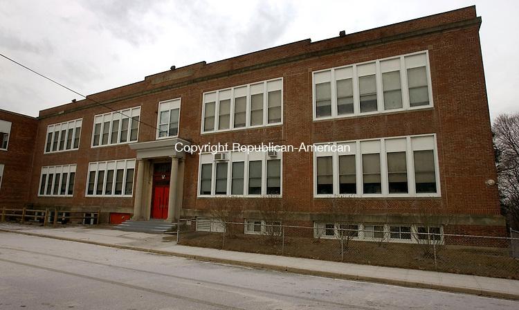 WATERBURY CT. 26 December 2013-122613SV03-Hopeville School in Waterbury Thursday. <br /> Steven Valenti Republican-American