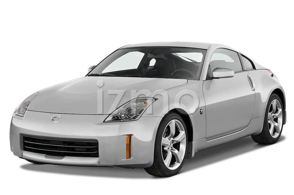 Front three quarter view of a 2008 Nissan 350z.