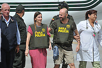 BOGOTÁ -COLOMBIA. 15-06-2013.  Ángel Sánchez Fernández y  María Marlaska Sedano a su llegada a la ciudad de Bogotá, Colombia después de haber sido rescatados por el Gaula de la Policía Nacional en el departamento de La Guajira, Colombia./ Angel Sanchez Fernandez and Maria Marlaska Sedano during thieir arrival to Bogotá, Colombia after being recaed by Gaula of National Police of Colombia in Rioacha department. Photo: VizzorImage/Mauricio Orjuela/MDC/ CONT<br />