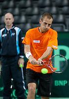 04-05-10, Zoetermeer, SilverDome, Tennis, Training Davis Cup, Thiemo de Bakker traint onder toeziend oog van Technisch directeur van de NKLTB Rohan Goetzke.