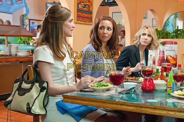 ROSE BYRNE, MAYA RUDOLPH & KRISTEN WIIG.in Bridesmaids.*Filmstill - Editorial Use Only*.CAP/FB.Supplied by Capital Pictures.