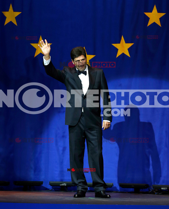 September 26, 2012: European Ryder Cup Captain Jose Maria Olazabal arrives for the 39th Ryder Cup Gala at Akoo Theatre in Rosemont, Illinois, USA. Credit: Kamil Krzaczynski /MediaPunch Inc. /NortePhoto