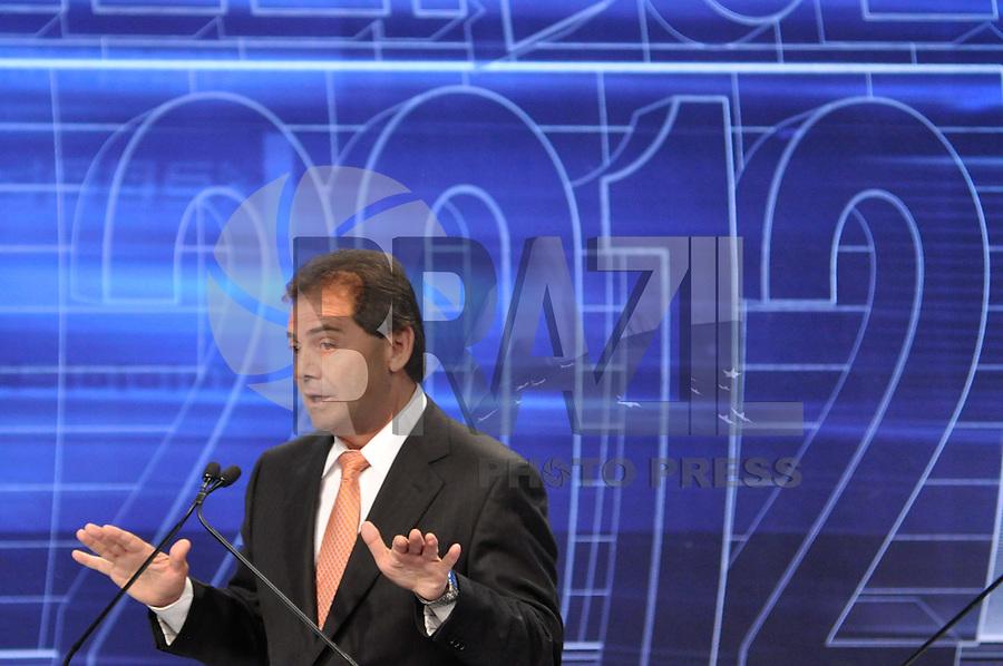 OSASCO, SP, 03 SETEMBRO DE 2012 – DEBATE REDETV – ATENÇÃO EDITOR: FOTO EMBARGADA PARA VEÍCULOS INTERNACIONAIS: Candidatos a prefeitura de São Pauloho da Força  Paulin durante debate realizado na noite desta segunda feira (03) pela RedeTV, na sede da emissora em Osasco. (FOTO: LEVI BIANCO / BRAZIL PHOTO PRESS).