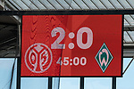 Feature Anzeigentafel Halbzeit 2:0<br /> <br /> <br /> Sport: nphgm001: Fussball: 1. Bundesliga: Saison 19/20: 33. Spieltag: 1. FSV Mainz 05 vs SV Werder Bremen 20.06.2020<br /> <br /> Foto: gumzmedia/nordphoto/POOL <br /> <br /> DFL regulations prohibit any use of photographs as image sequences and/or quasi-video.<br /> EDITORIAL USE ONLY<br /> National and international News-Agencies OUT.