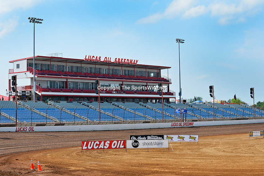 May 22, 2014; 3:51:45 PM; Wheatland, Mo., USA; The  Lucas Oil Late Model Dirt Series running the 22nd Annual Lucas Oil Show-Me 100 Presented by ProtectTheHarvest.com.  Mandatory Credit: (thesportswire.net)