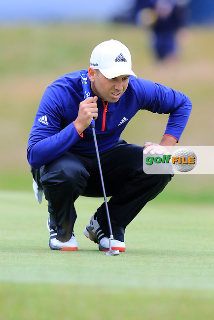Sergio Garcia (ESP) lines up his putt on the 17th green during Monday's Final Round of the 144th Open Championship, St Andrews Old Course, St Andrews, Fife, Scotland. 20/07/2015.<br /> Picture Eoin Clarke, www.golffile.ie