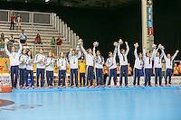 TORONTO, CANADA, 24.07.2015 - PAN-HANDBALL - Atletas do Uurguai recebem medalha de bronze após  final do Handball Feminino no Centro de Exposições de Toronto nesta sexta-feira, 24. (Foto: William Volcov/Brazil Photo Press)