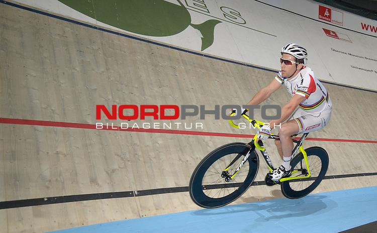 11.01.2014, &Ouml;VB Arena, Bremen, GER, Sixdays Bremen, im Bild Vivien Brisse (Team Schmidt + Koch #1)<br /> <br /> Foto &copy; nordphoto / Frisch