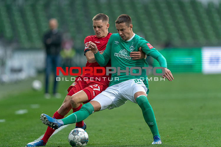 Florian Wirtz   (Leverkusen #27),<br /> Marco Friedl (Werder Bremen #32)<br /> <br /> Sport: Fussball: 1. Bundesliga: Saison 19/20: <br /> 26. Spieltag: SV Werder Bremen vs Bayer 04 Leverkusen, 18.05.2020<br /> <br /> Foto ©  gumzmedia / Nordphoto / Andreas Gumz / POOL <br /> <br /> Nur für journalistische Zwecke! Only for editorial use!<br />  DFL regulations prohibit any use of photographs as image sequences and/or quasi-video.