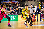 Lamont DaSean JONES (#20 MHP Riesen Ludwigsburg) \Olivier HANLAN (#6 Telekom Baskets Bonn) \ beim Spiel in der Basketball Bundesliga, MHP Riesen Ludwigsburg - Telekom Baskets Bonn.<br /> <br /> Foto &copy; PIX-Sportfotos *** Foto ist honorarpflichtig! *** Auf Anfrage in hoeherer Qualitaet/Aufloesung. Belegexemplar erbeten. Veroeffentlichung ausschliesslich fuer journalistisch-publizistische Zwecke. For editorial use only.