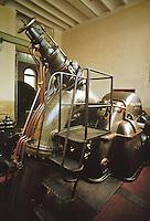 - old turbine room of 1910 year in Grosotto hydroelectric power station of AEM (Municipal Energetic Company of Milan)....- antica sala turbine d'epoca 1910 nella centrale  idroelettrica AEM (Azienda Energetica Municipale di Milano) a Grosotto (Sondrio, Valtellina)